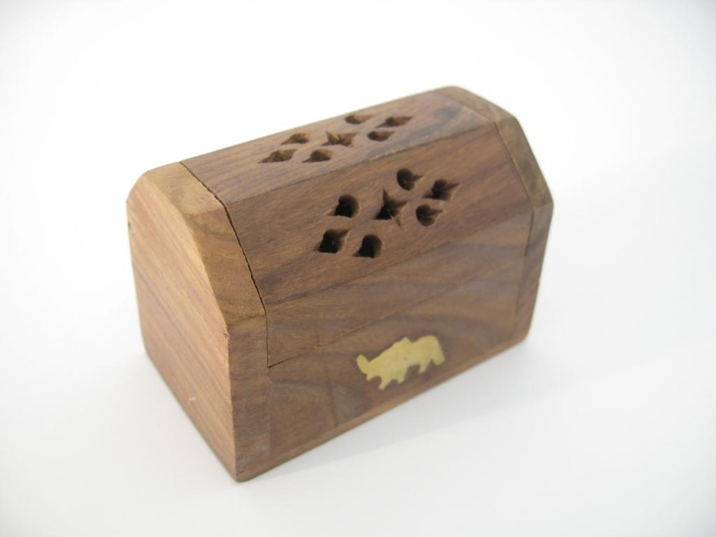 Houten kegel kistje olifant groothandel dragon euro trade bv - Te vernieuwen zijn houten trap ...